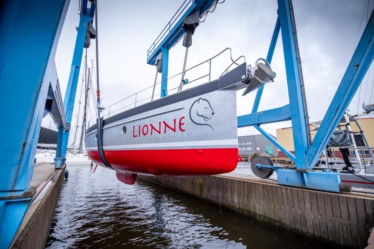 20210318-2021-03-18_Guy Fleury_KM Yachtbuilders_Launch Lionne-72